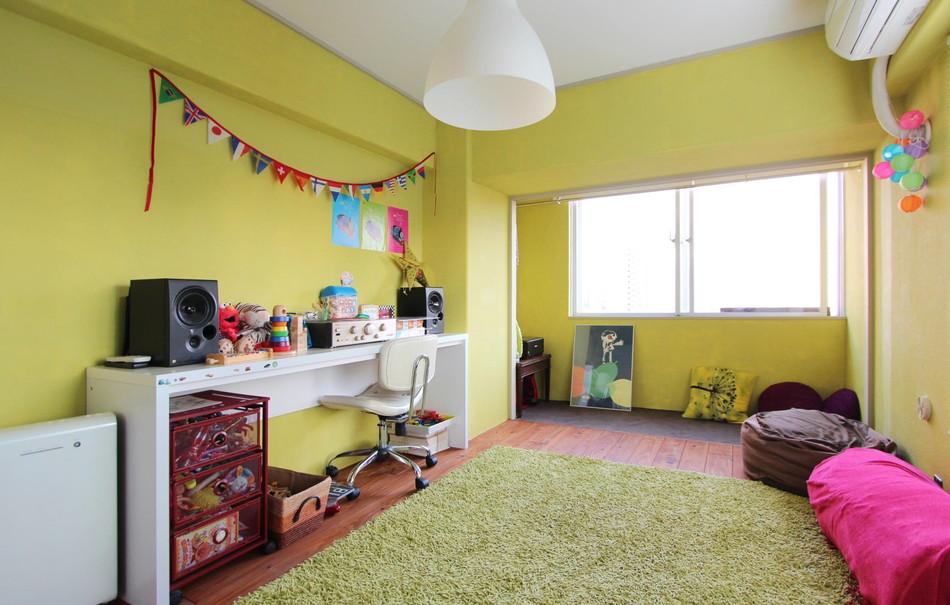 リノベWebMAGAZINE:ビビットカラーで一気におめかし! 気分がアガる子供部屋
