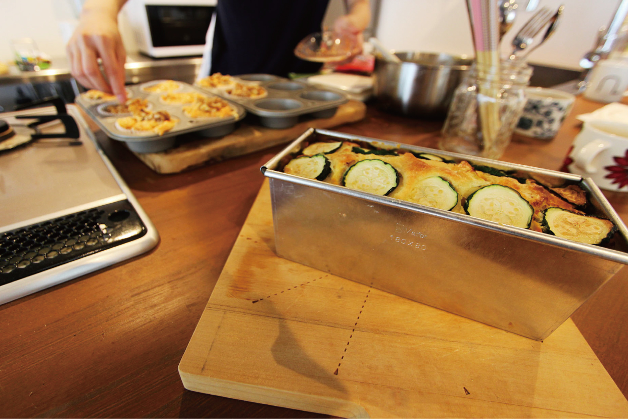 """造作キッチンで奥様が作ってくれた"""" ズッキーニとにんじんのパウンドケーキ"""""""